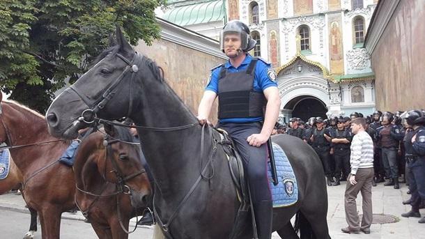 Милиция пытается предупредить драку в Киеве