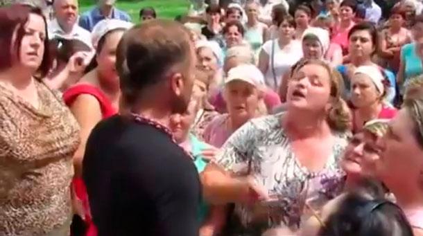 Разъярённые жители избили депутата-бандеровца