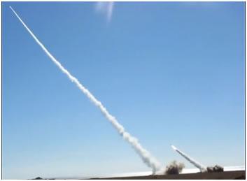 Фото 11. Ракеты ЗРК «Бук-М1» в полете