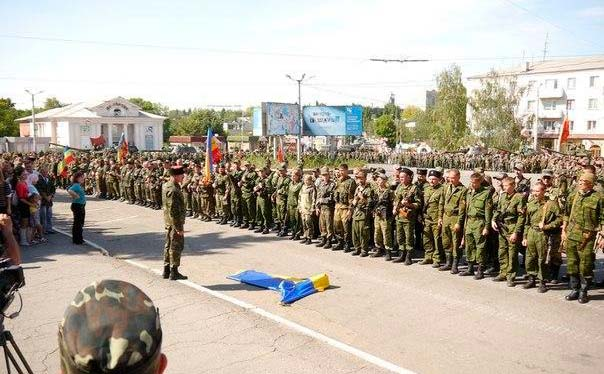 Военный парад в Перевальске