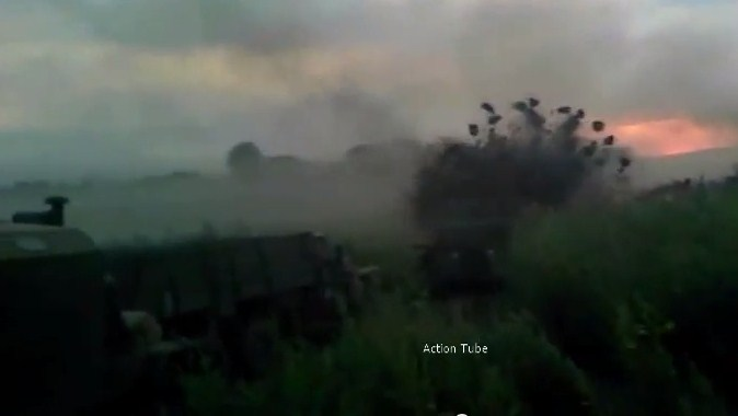 Колона техники ВСУ пытается вырваться из Иловайска