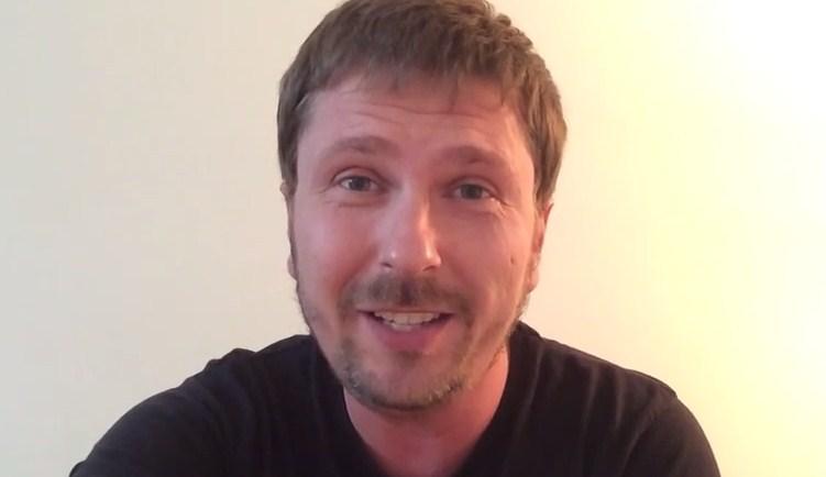 Анатолий Шарий о видео, где милиционер избивает инвалида