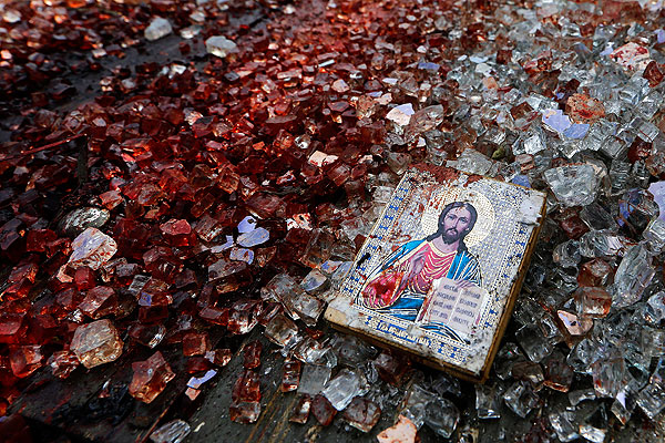кому достанутся места у корыта, в харкающей кровью Украине