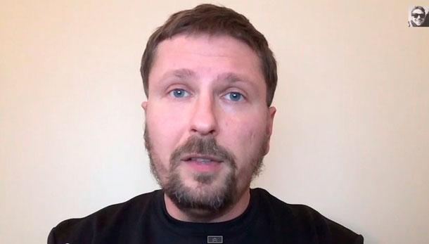 """Порошенко и Яценюку - вам, от """"нелюдей"""" Шарий"""