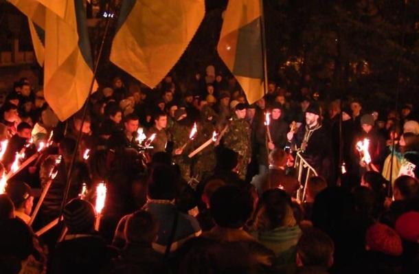 Факельное шествие в Мариуполе