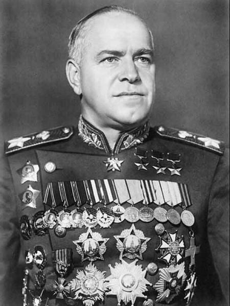Жуков, Георгий Константинович маршал, министр обороны СССР Георгиевский крест 3-й степени Георгиевский крест 4-й степени четырежды Герой Советского Союза, 14 орденов, 16 медалей и почетное оружие