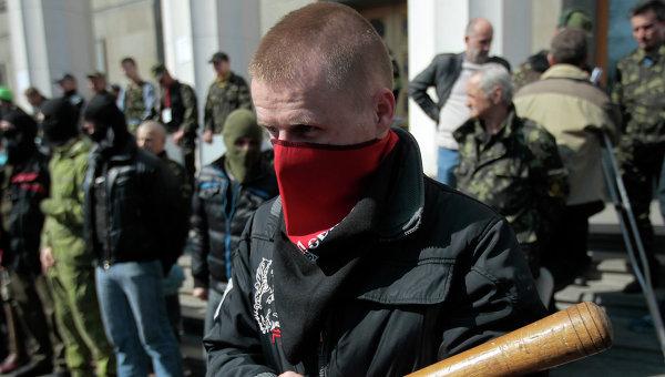 Правый Сектор взбунтовался и выдвигается в Киев