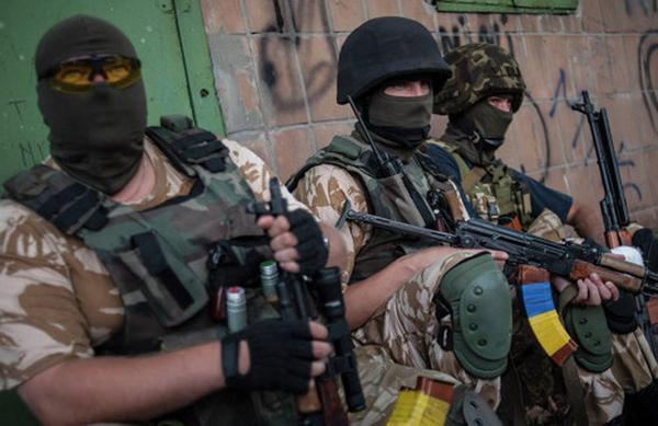 """Украинские военные застрелили мать и дочь """"за сепаратизм"""""""