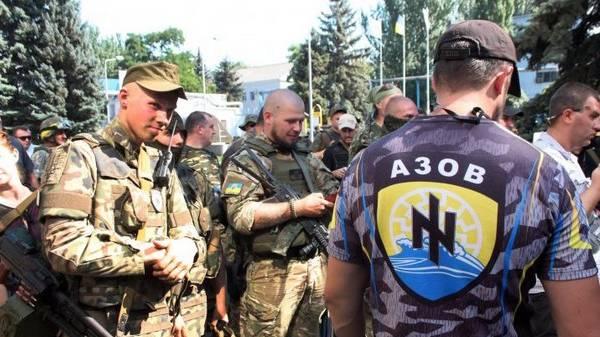 """помогать батальону """"Азов"""" отказались и в Канаде"""