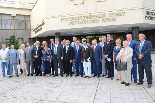 Французские депутаты в Крыму