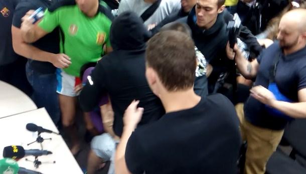 Ультранационалисты Ляшко избили Алексея Дурнева
