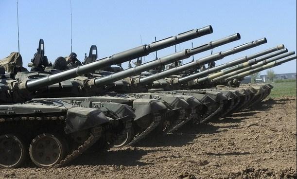 В ДНР и ЛНР объявлена боевая тревога